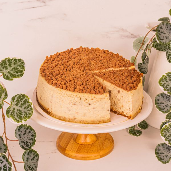 biscoff cheesecake sliced by mori cakes