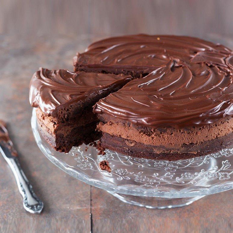 dark chocolate ganache cake by cake delivery singapore