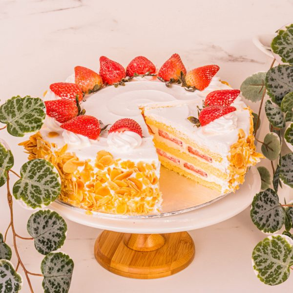 Strawberry Short Cake sliced by mori cakes